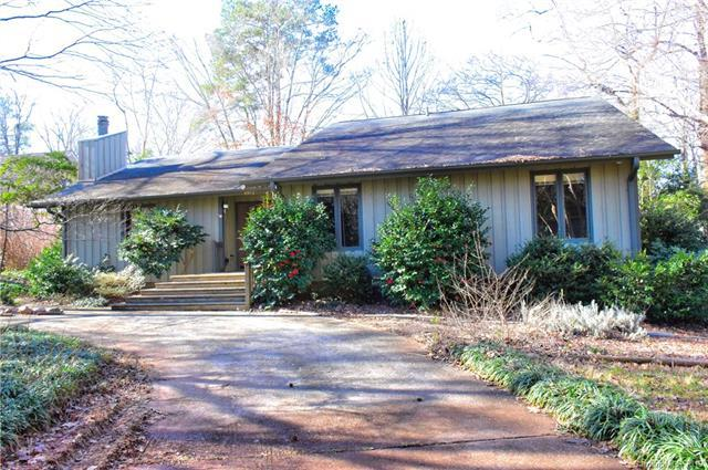 4912 Crooked Oak Lane, Charlotte, NC 28226 (#3448369) :: LePage Johnson Realty Group, LLC