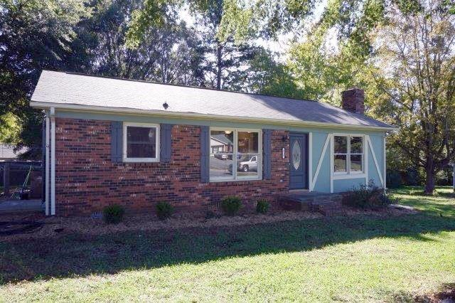 818 S Laurel Street, Lincolnton, NC 28092 (#3448540) :: High Performance Real Estate Advisors