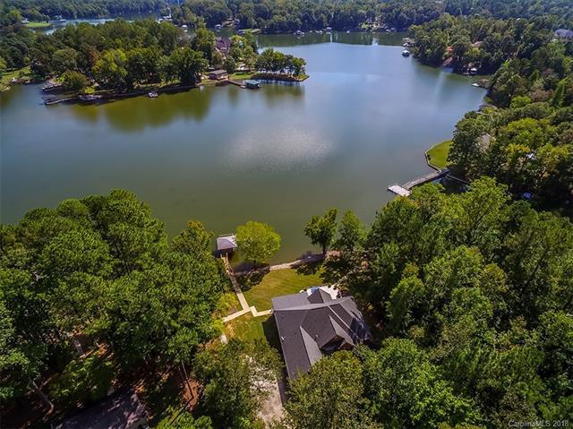 2109 Salem Drive, Lake Wylie, SC 29710 (#3448691) :: RE/MAX Four Seasons Realty