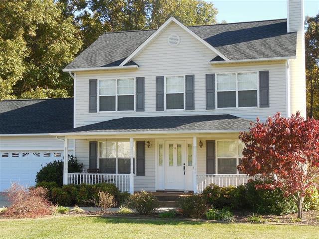 4393 Claralee Lane, Hickory, NC 28602 (#3448722) :: Rinehart Realty