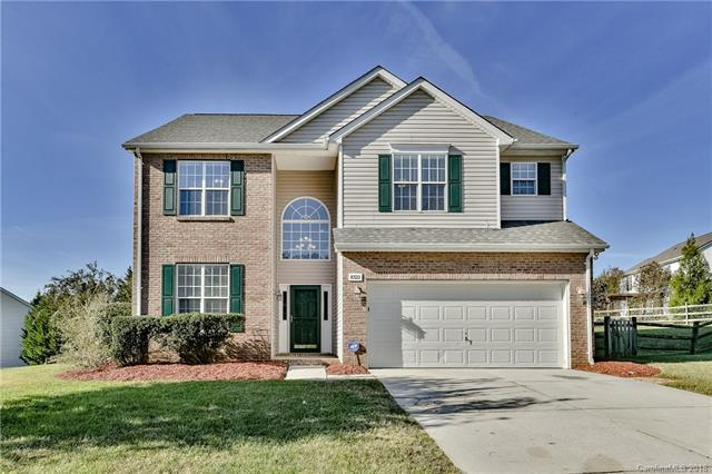 8322 Laurel Run Drive, Charlotte, NC 28269 (#3448737) :: Odell Realty