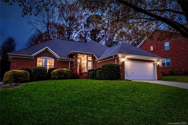 15805 Burlingame Drive, Huntersville, NC 28078 (#3449322) :: The Ramsey Group