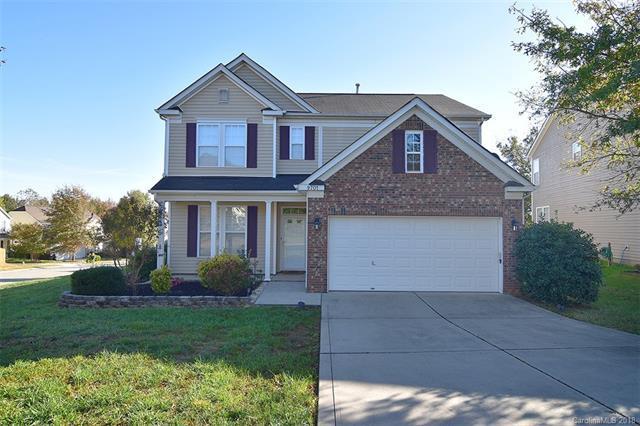 9701 Waltham Court, Charlotte, NC 28269 (#3449598) :: Washburn Real Estate
