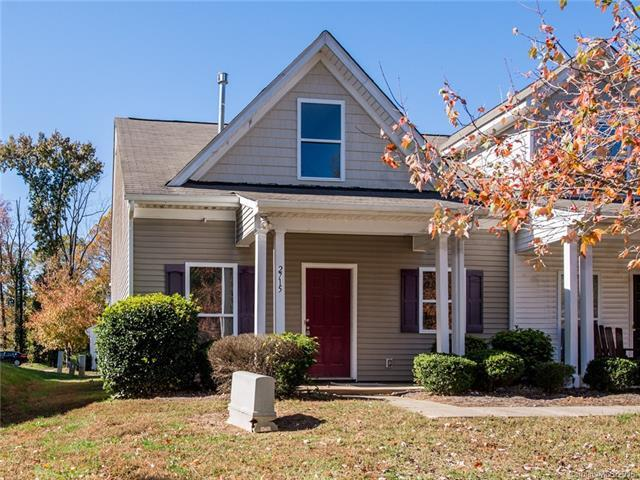 2715 Meadow Knoll Drive, Charlotte, NC 28269 (#3449723) :: The Ramsey Group