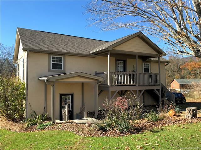 2401 Riceville Road, Asheville, NC 28805 (#3449918) :: Exit Mountain Realty