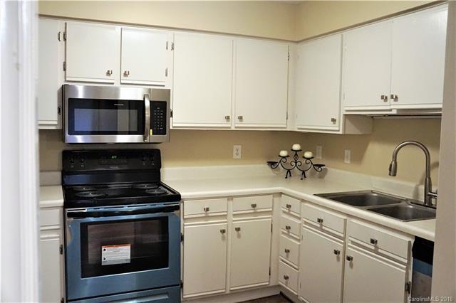1052 Churchill Downs Court C, Charlotte, NC 28211 (#3450269) :: Washburn Real Estate
