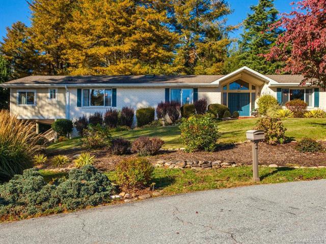 223 Northfield Court, Hendersonville, NC 28739 (#3450351) :: Puffer Properties