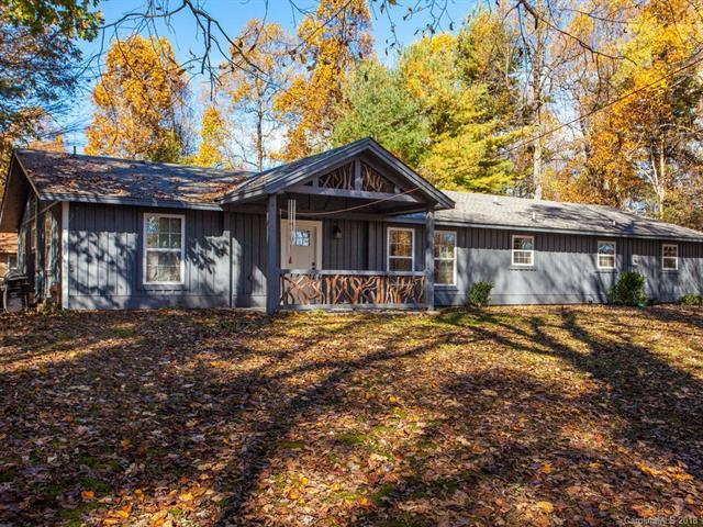 142 Beechwood Circle, Hendersonville, NC 28739 (#3450355) :: LePage Johnson Realty Group, LLC