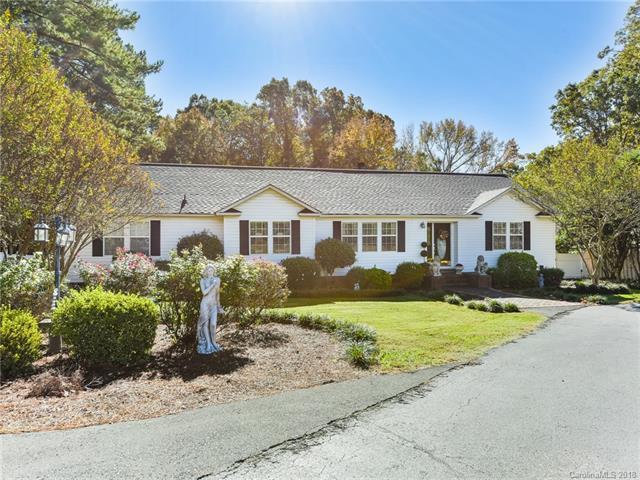 236 Matthews Township Parkway #4, Matthews, NC 28105 (#3450430) :: Charlotte Home Experts