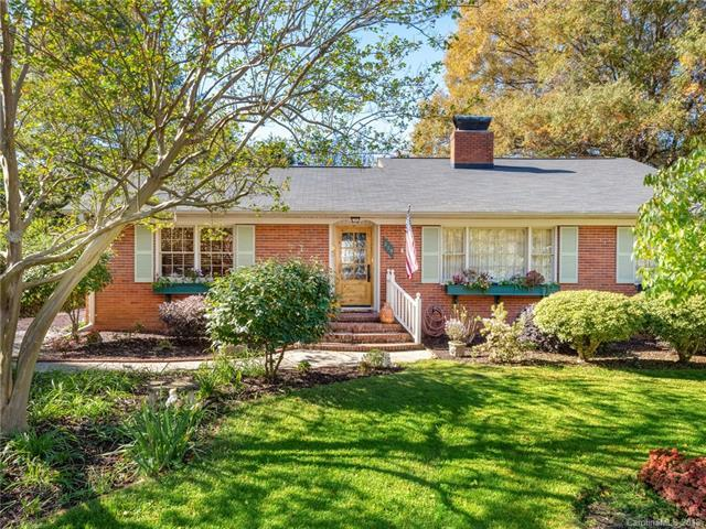 215 Anthony Circle, Charlotte, NC 28211 (#3450525) :: Team Honeycutt