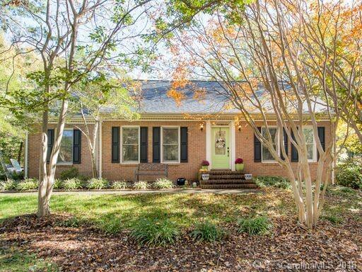 11701 Harrowfield Road, Charlotte, NC 28226 (#3450955) :: Exit Mountain Realty