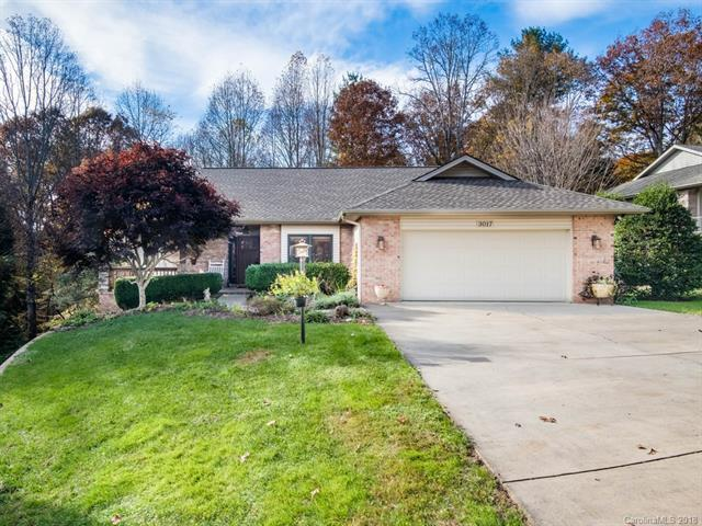 3017 Cove Loop Road, Hendersonville, NC 28739 (#3451258) :: Besecker Homes Team