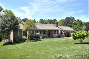 120 Villa Lane, Davidson, NC 28036 (#3451333) :: The Premier Team at RE/MAX Executive Realty