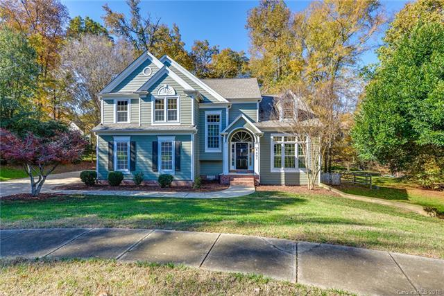 6201 Ash Cove Lane, Charlotte, NC 28269 (#3451733) :: The Ramsey Group