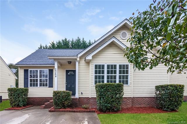 2264 Blue Hampton Lane, Charlotte, NC 28213 (#3451739) :: MartinGroup Properties