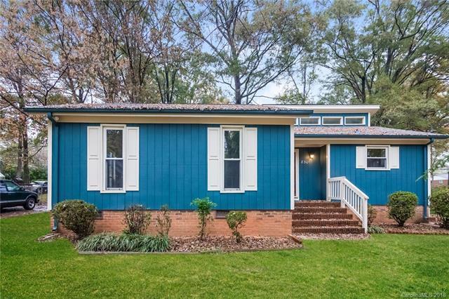 8301 Barncliff Road, Charlotte, NC 28227 (#3451740) :: Rinehart Realty