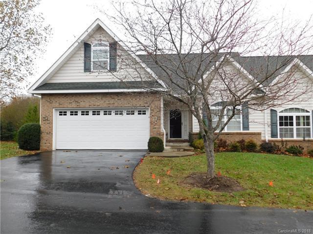 77 Victoria Park Drive, Hendersonville, NC 28792 (#3452151) :: High Performance Real Estate Advisors
