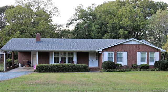 1106 Virginia Avenue, Monroe, NC 28112 (#3452334) :: LePage Johnson Realty Group, LLC