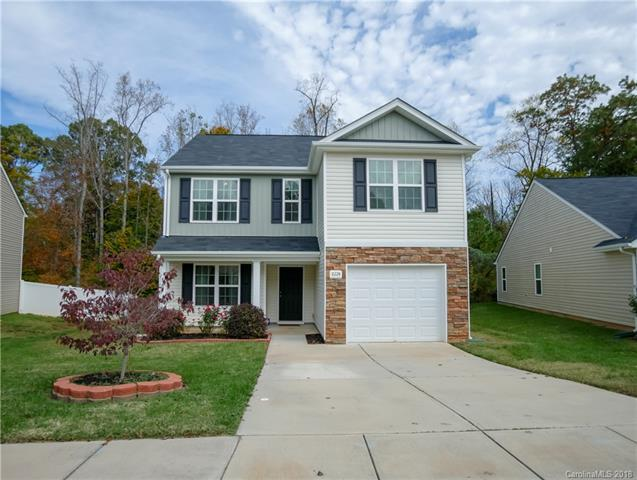 8224 Deodora Cedar Lane, Charlotte, NC 28215 (#3452394) :: The Temple Team