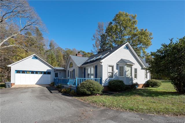 10930 Beatties Ford Road, Huntersville, NC 28078 (#3452489) :: Cloninger Properties