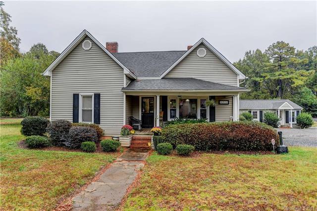 20528 N Main Street, Cornelius, NC 28031 (#3452521) :: Cloninger Properties