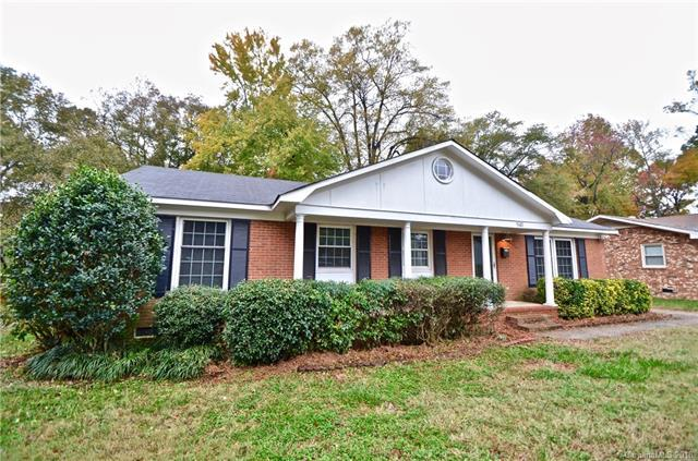 941 Squirrel Hill Road, Charlotte, NC 28213 (#3452728) :: Rinehart Realty