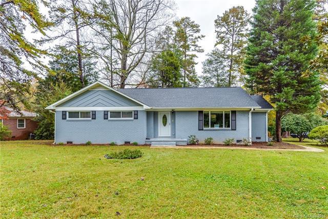 6414 Elmwood Circle, Charlotte, NC 28214 (#3452987) :: Exit Mountain Realty