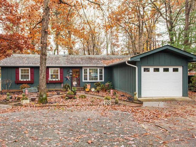 814 Dana Road, Hendersonville, NC 28792 (#3453029) :: RE/MAX RESULTS