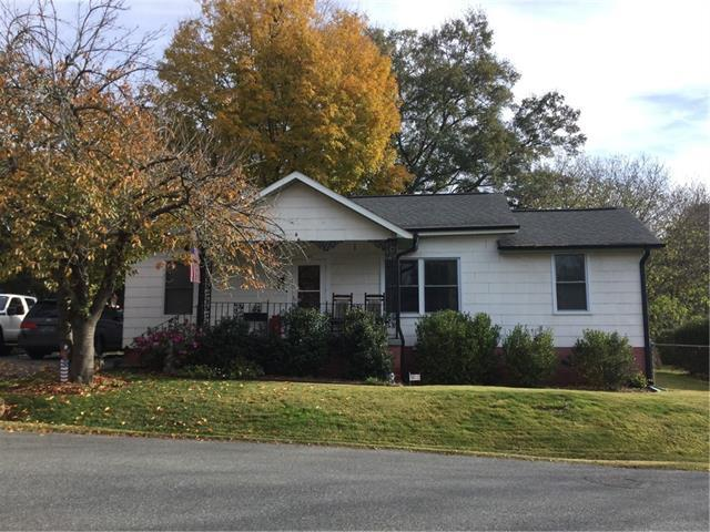 201 Rick Street L7, Mount Holly, NC 28120 (#3453073) :: Johnson Property Group - Keller Williams