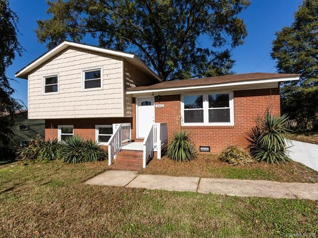 2415 Abelwood Road, Charlotte, NC 28216 (#3453075) :: LePage Johnson Realty Group, LLC