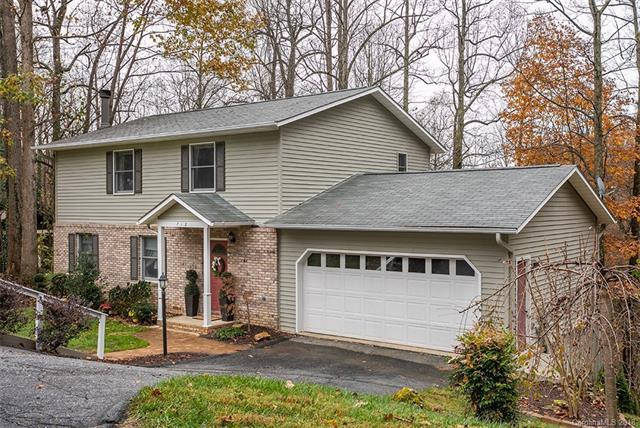 712 Greenwood Drive, Hendersonville, NC 28791 (#3453142) :: Johnson Property Group - Keller Williams