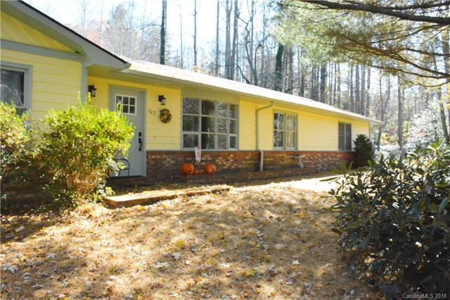 102 Prestwick Drive, Hendersonville, NC 28791 (#3453274) :: Caulder Realty and Land Co.