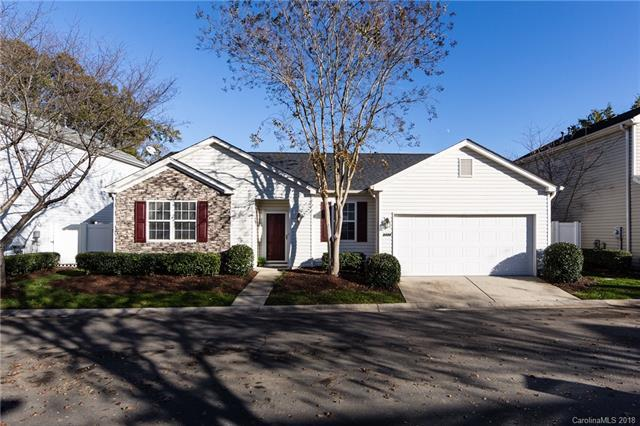 9154 Meadowmont View Drive, Charlotte, NC 28269 (#3453292) :: Johnson Property Group - Keller Williams