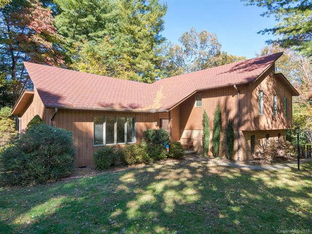 24 S Oaks Circle, Asheville, NC 28806 (#3453320) :: Johnson Property Group - Keller Williams