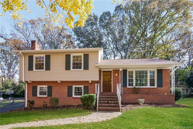 6813 Heatherford Drive, Charlotte, NC 28226 (#3453338) :: Exit Mountain Realty