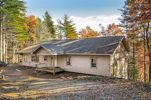 124 Wildwood Way, Lake Toxaway, NC 28747 (#3453356) :: Puffer Properties