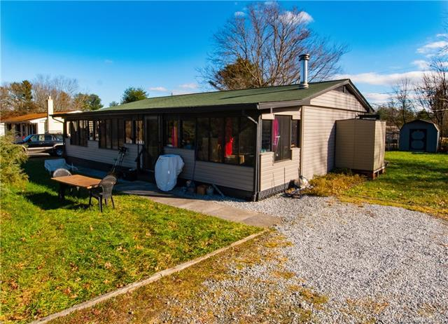 1186 Eastbrook Drive, Hendersonville, NC 28792 (#3453648) :: Exit Mountain Realty
