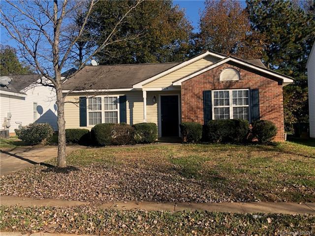 3024 Fairglen Road #2, Charlotte, NC 28269 (#3453713) :: Rinehart Realty