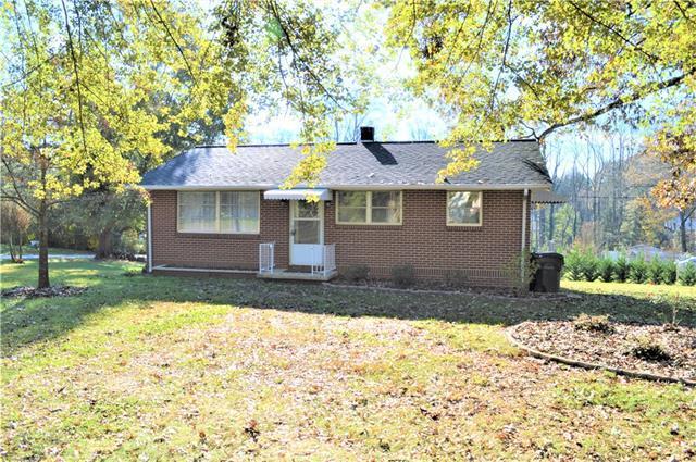 1380 17th Avenue NE, Hickory, NC 28601 (#3453733) :: RE/MAX Four Seasons Realty