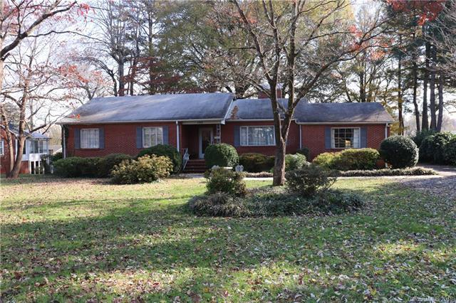 592 Dogwood Road, Statesville, NC 28677 (#3453749) :: Besecker Homes Team