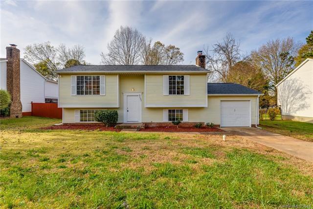 3131 Oneida Road, Charlotte, NC 28269 (#3453892) :: Besecker Homes Team
