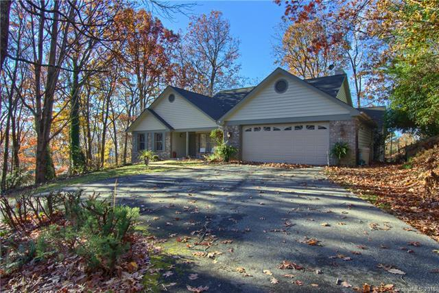 801 Sunlight Ridge Drive, Hendersonville, NC 28792 (#3454047) :: Keller Williams Professionals