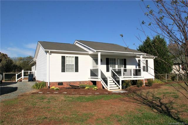 10115 Hambright Road, Huntersville, NC 28078 (#3454051) :: Besecker Homes Team