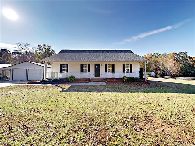 6050 Castle Pines Drive, Rock Hill, SC 29730 (#3454074) :: Exit Mountain Realty