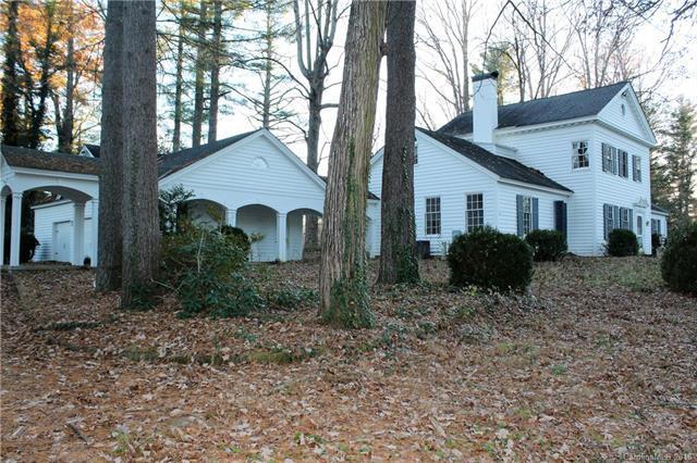 1090 W Blue Ridge Road, Flat Rock, NC 28731 (#3454085) :: RE/MAX Four Seasons Realty