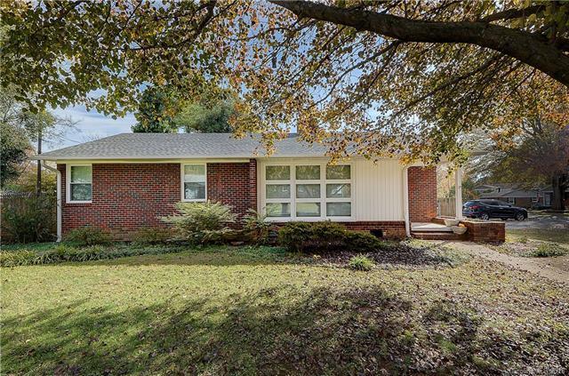 4301 Applegate Road, Charlotte, NC 28209 (#3454237) :: Homes Charlotte