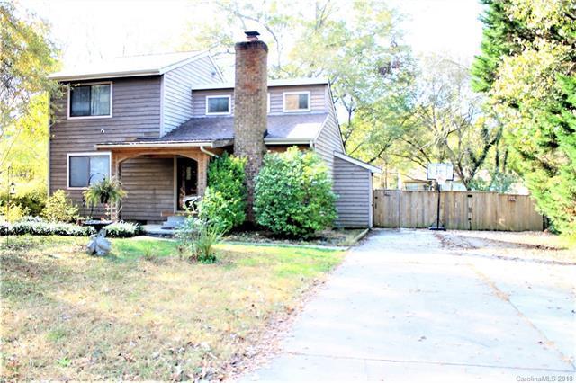 7906 Park Vista Circle, Charlotte, NC 28226 (#3454320) :: MECA Realty, LLC