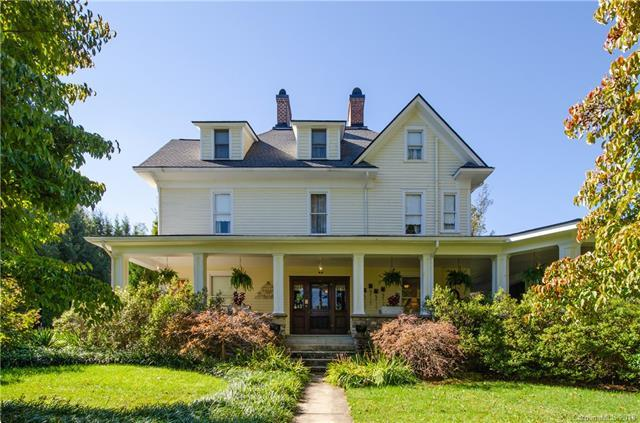 40 Old Hickory Street, Waynesville, NC 28786 (#3454513) :: Zanthia Hastings Team