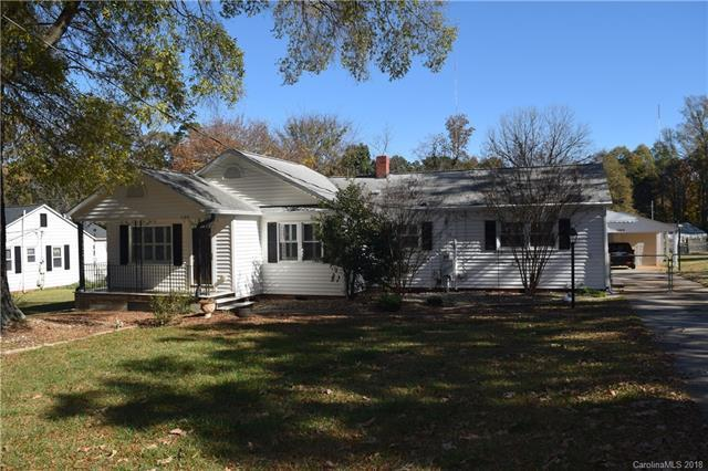1120 Thompson Avenue, Charlotte, NC 28216 (#3454702) :: Rinehart Realty