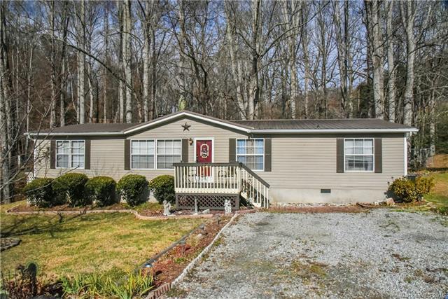 140 Josiah Lane, Hendersonville, NC 28792 (#3454967) :: Carlyle Properties